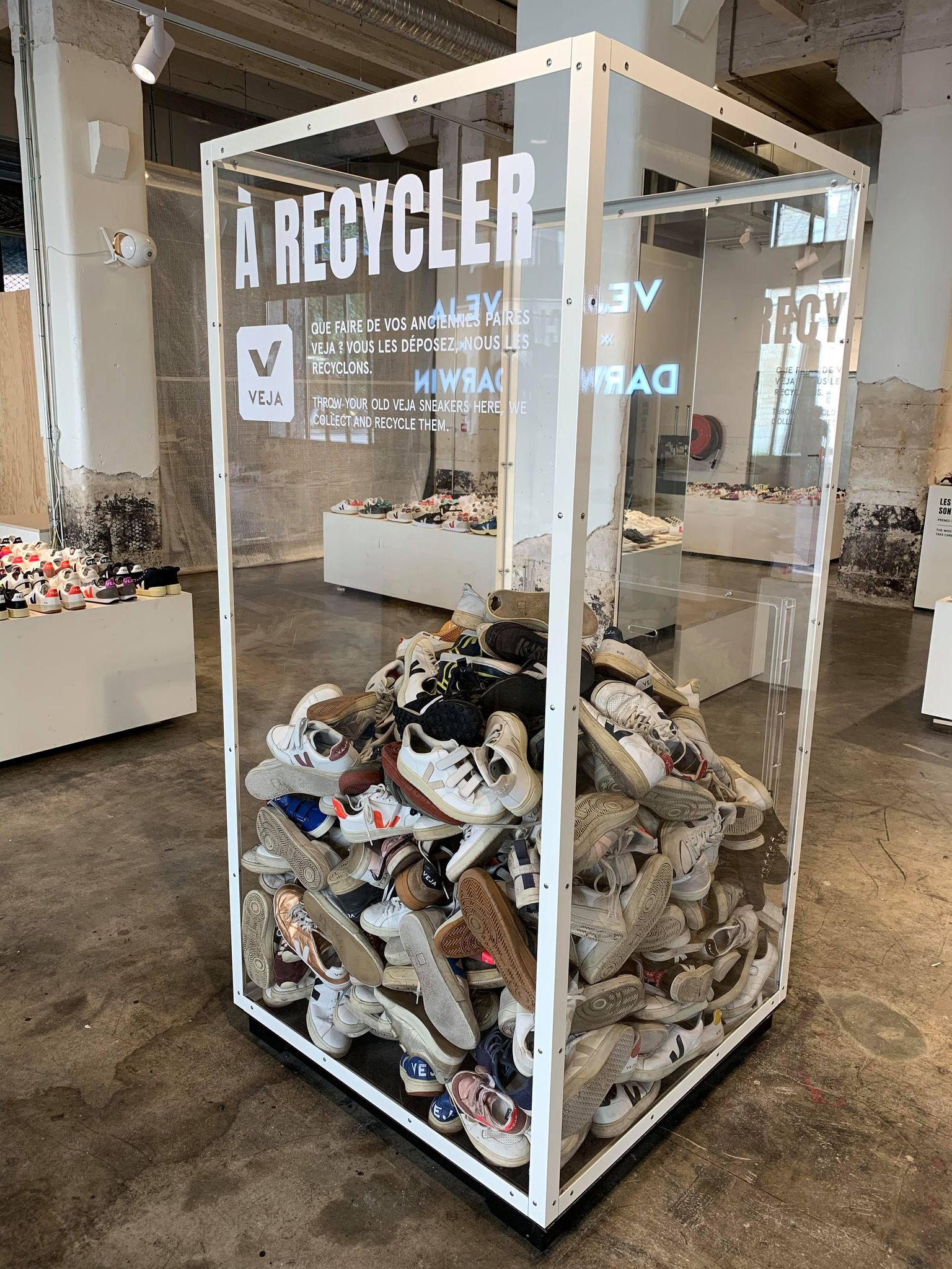 boîte recyclage chaussures Veja