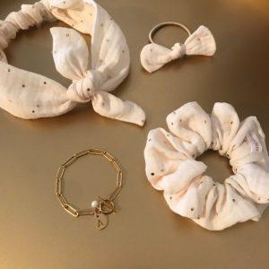 chouchou, sert-tête, bague et bracelet