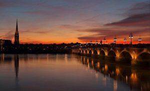 Pont Pierre au coucher du soleil